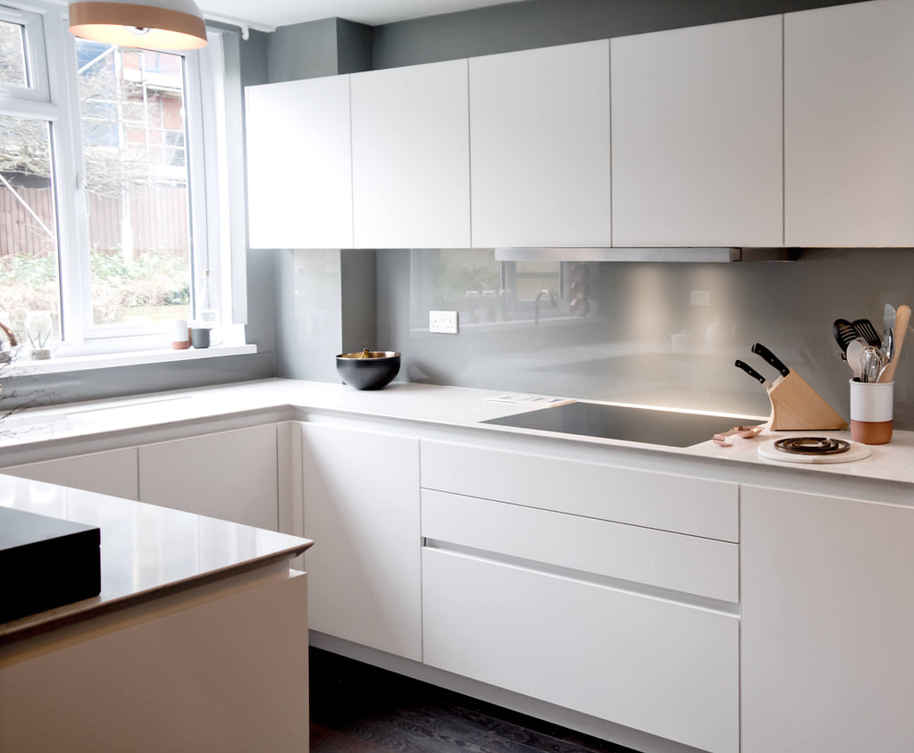 Matt White Handleless Kitchen with Silestone Worktop