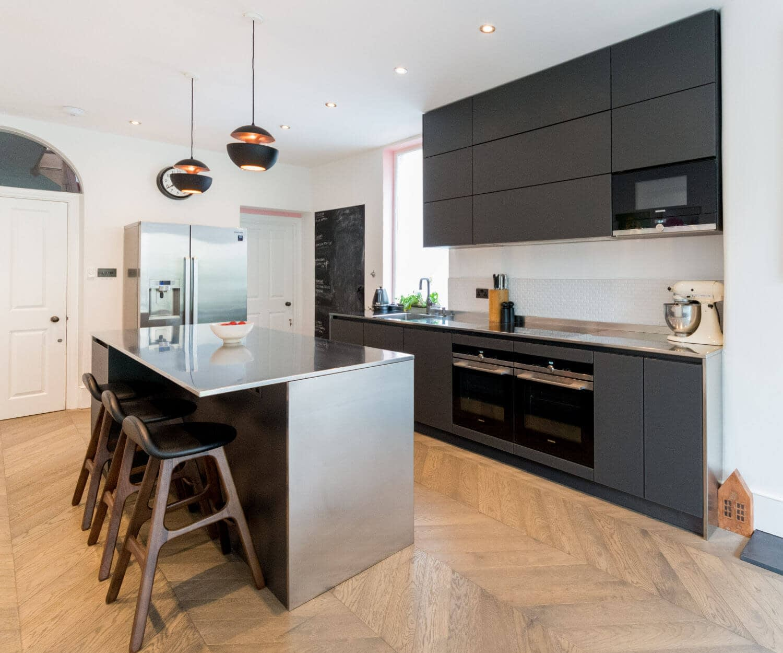 Lava Black Kitchen - Crouch End