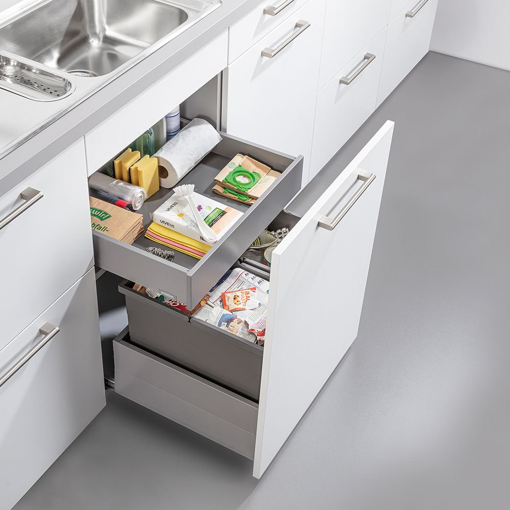 Two way waste sorting with drawer