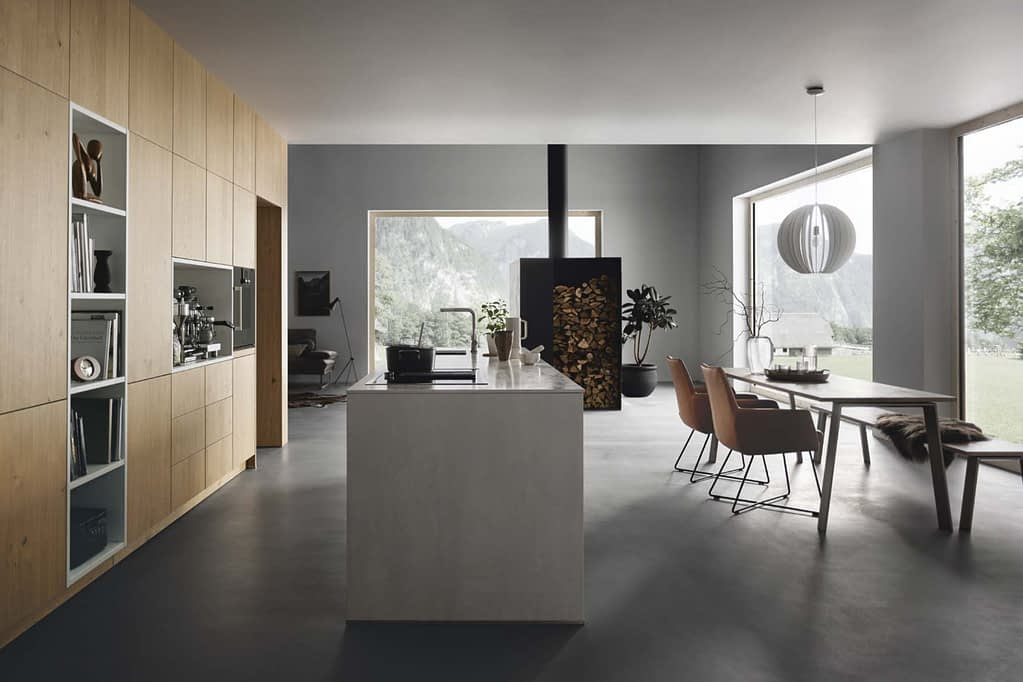 White Lacquer Kitchen with Island