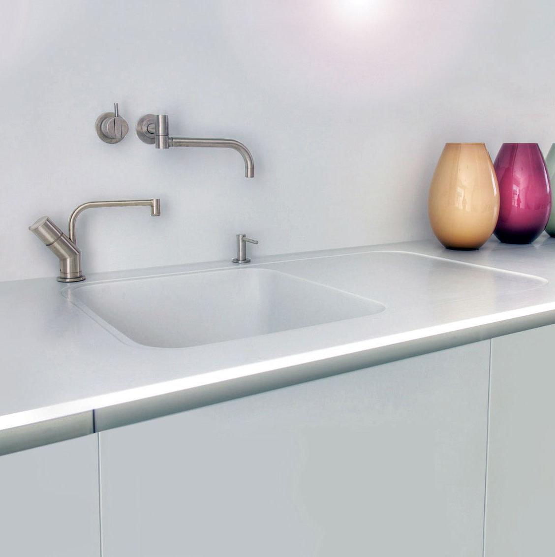 Hi-Macs sink with recessed drainer
